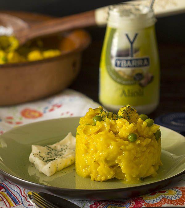 Arroz amarillo con pollo y alioli