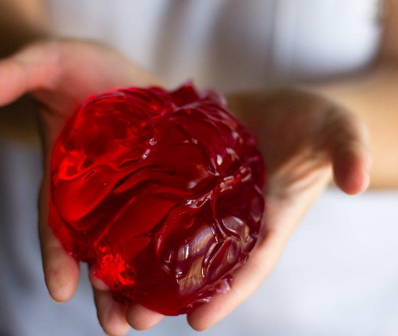 Corazón dulce de gelatina de fresa para Halloween