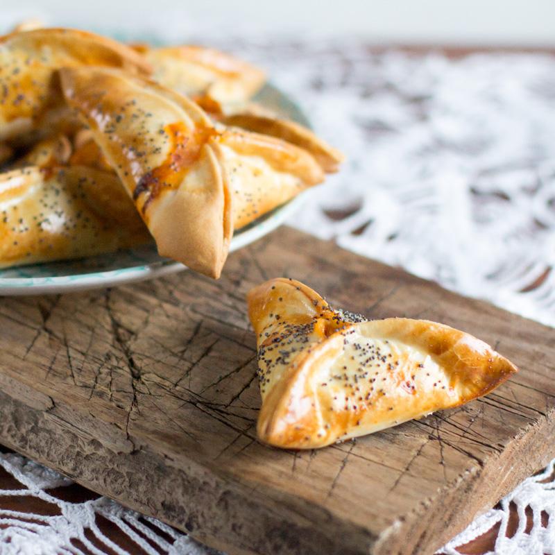 receta Empanadillas de atún y huevo con semillas de amapola