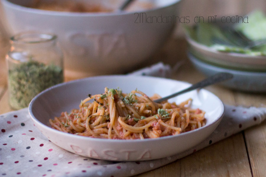como preparar espaguetis con salchichas frescas con Thermomix