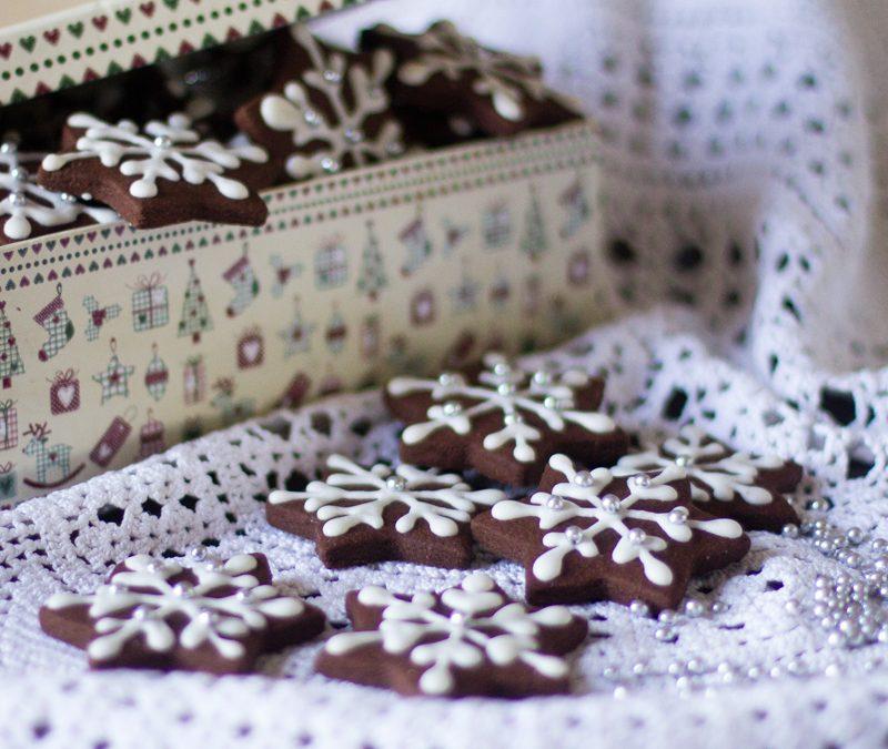 Cómo preparar galletas de chocolate y canela para Navidad