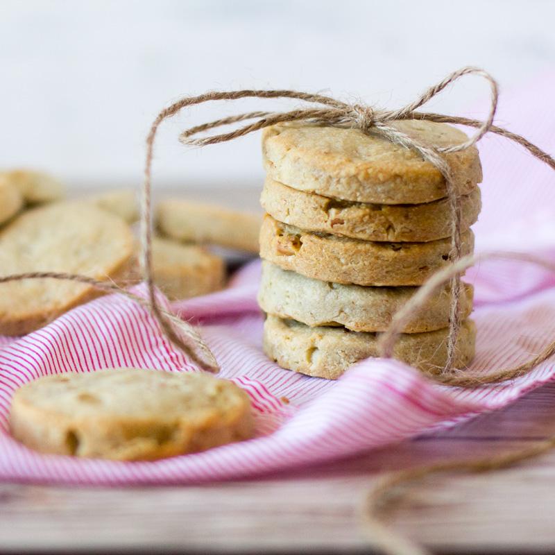 galletas saladas de queso stilton y nueces