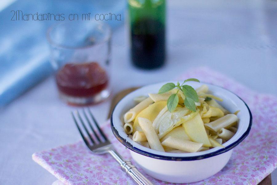como preparar ensalada de macarrones con manzana e hinojo