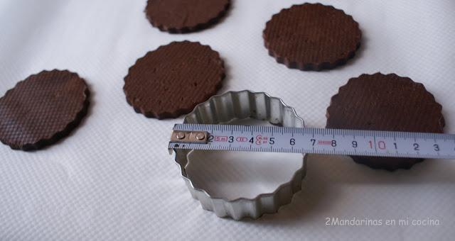 galletas de chocolate con virutas de chocolate cortapastas