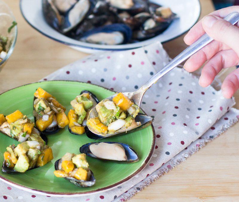 Mejillones con vinagreta de mango. Pim Pam Ñam, platos frescos listos en 10 minutos» de La Sirena