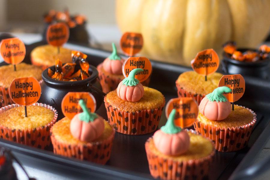 como preparar muffins de calabaza y naranja para halloween