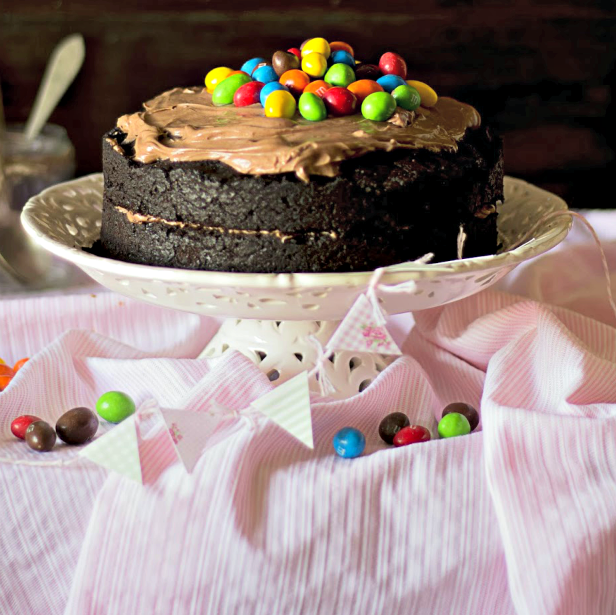 tarta de rústica de chocolate con M&M´s