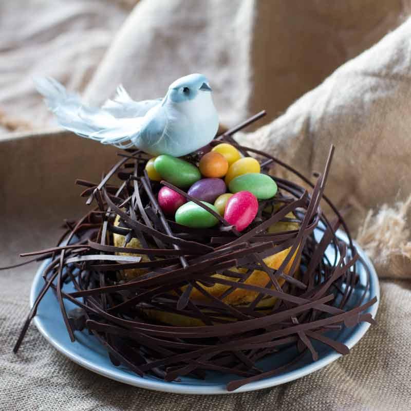 tarta nido de pascua elaborada con bizcocho de naranja