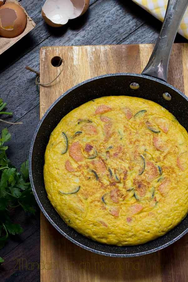 como preparar una tortilla de hortalizas. receta de aprovechamiento facil. receta saludable