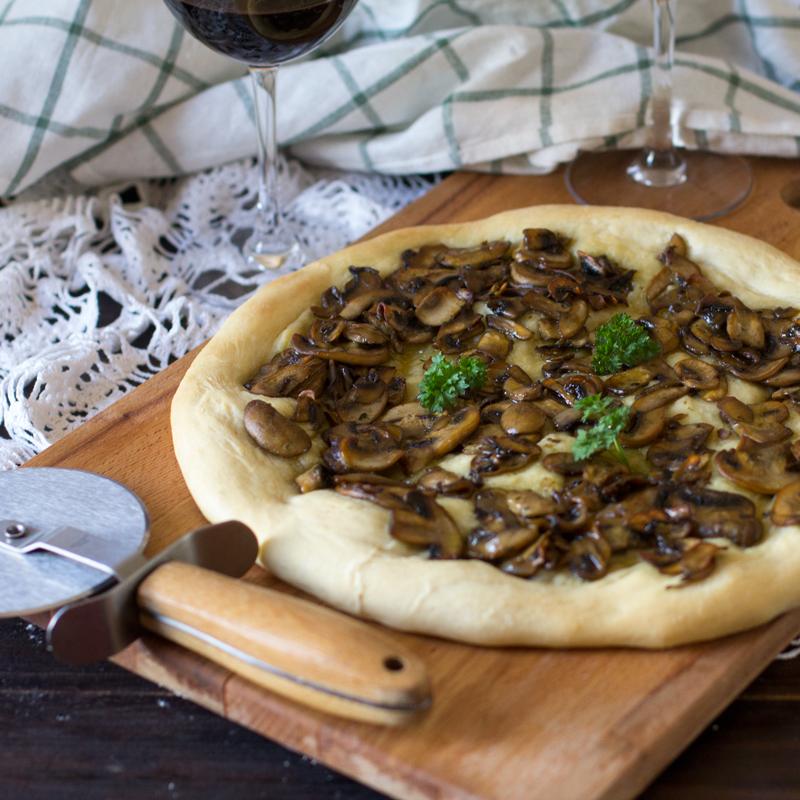 pizza de champiñones (pizza ai funghi)