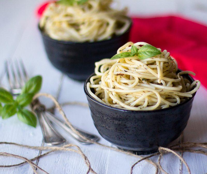 Espaguetis a las finas hierbas con Thermomix