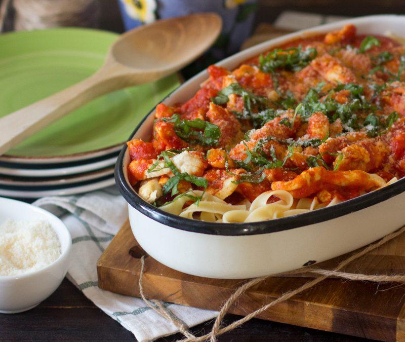 Tagliatelle con salsa picante de tomate y pollo con Thermomix