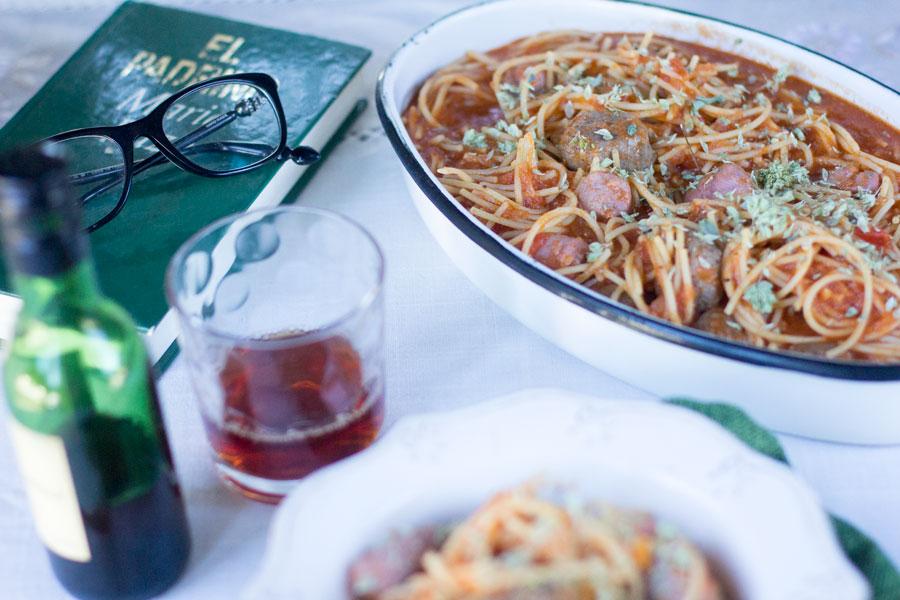 Espaguetis con salchichas y albóndigas con Thermomix