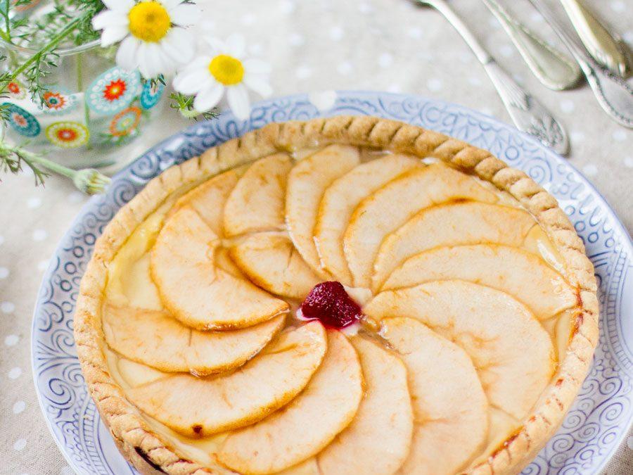 Tartaleta de manzana con masa quebrada y crema pastelera. Receta paso a paso