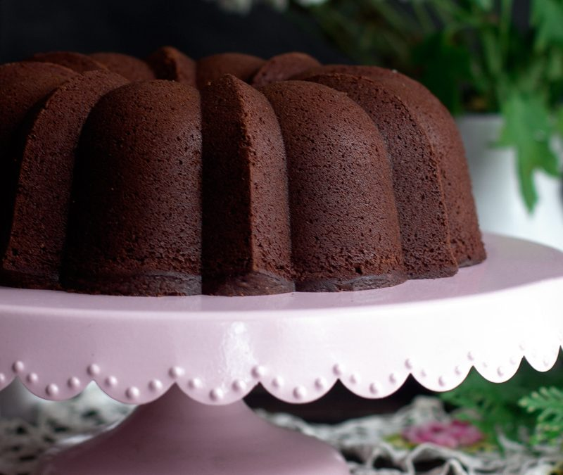 Bundt cake de chocolate y crema de whisky