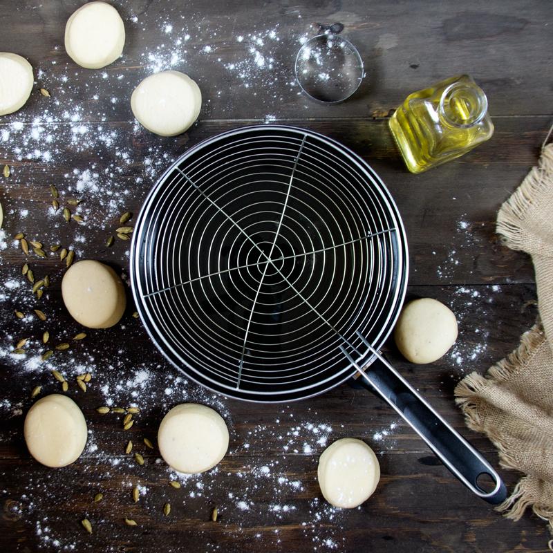 preparación paso a paso de berlinas rellenas de crema pastelera